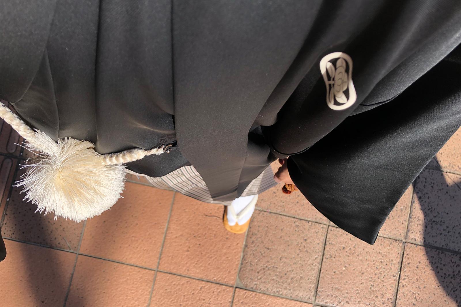 七五三詣りに負けじと黒紋付羽織袴。