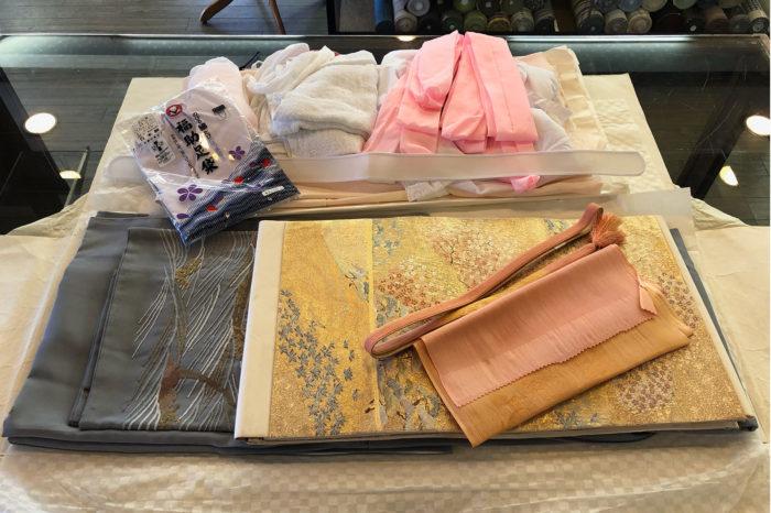 お宮詣りの着付けを承った色留袖一式。