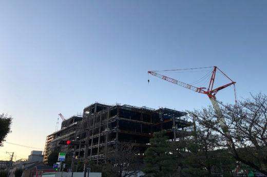 約100億円をかけて建設中の唐津市役所新庁舎